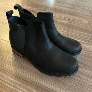 Sorel Emelie Chelsea Waterproof Ankle Boots 9 NWOT